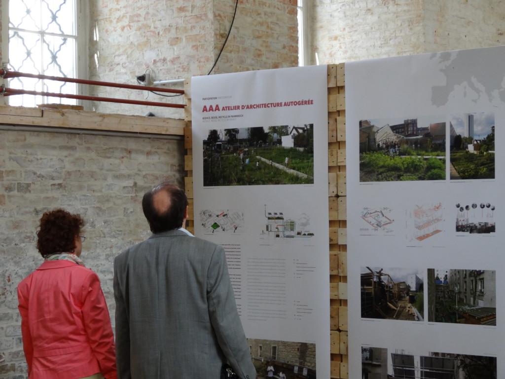aaa présenté lors de l'exposition Think Global Build Social à l'AZW